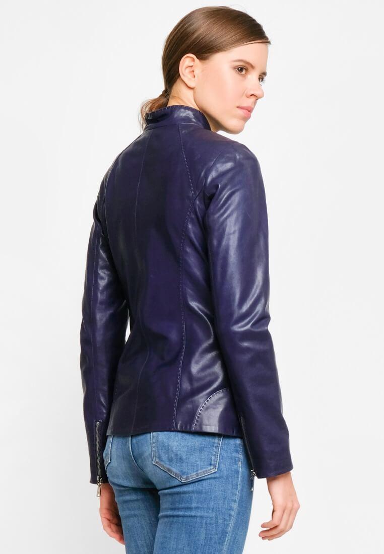Приталенная куртка из натуральной кожи с декоративным швом