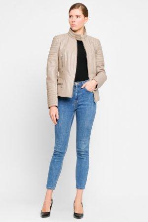 Кожаная куртка средней длины в стиле мото