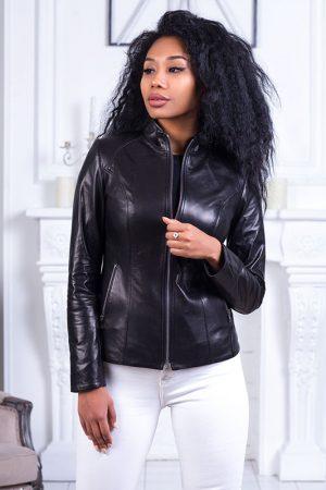 Купить Приталенная куртка из натуральной кожи с декоративным кантом