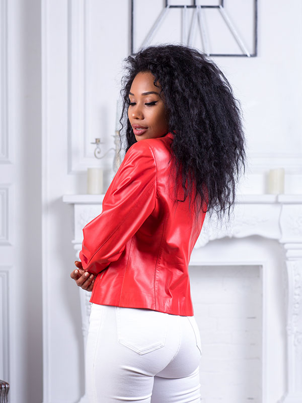 Купить Приталенная куртка из натуральной кожи