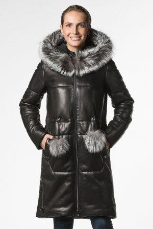 Прямое утепленное кожаное пальто с капюшоном