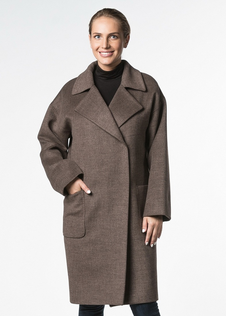 Пальто в стиле oversize с накладными карманами