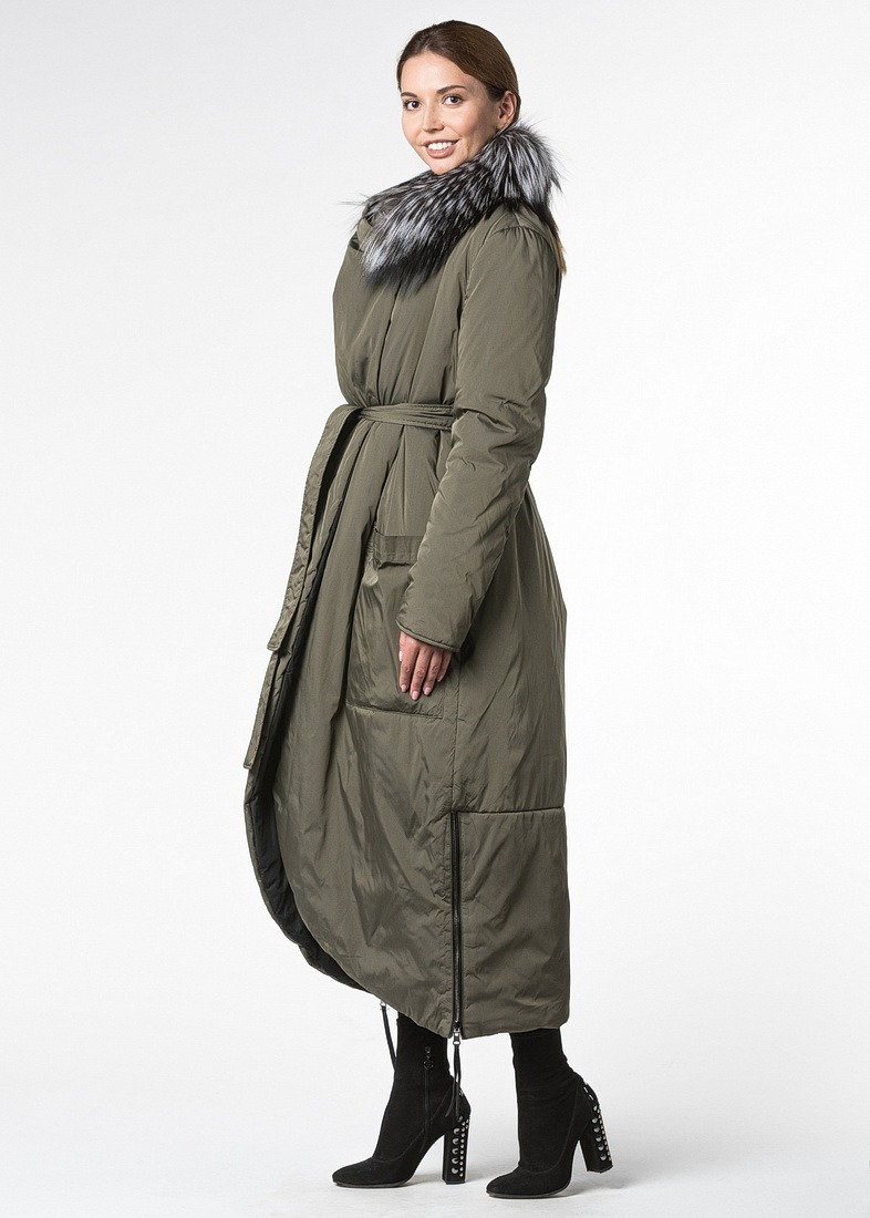 Двустороннее пальто цвета хаки на термосинтепоне с отделкой из чернобурой лисы